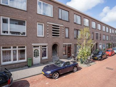 Usselincxstraat 80 in 'S-Gravenhage 2593 VM