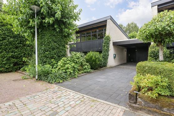 Buizerdstraat 5 in Leerdam 4143 BA