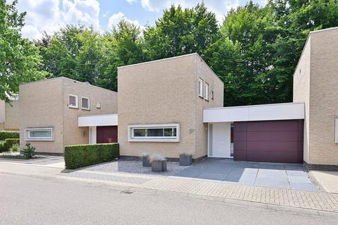 Celine Klinkenberghstraat 5 in Sittard 6136 TK
