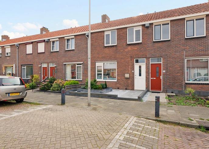 Lijsterbesstraat 47 in Waddinxveen 2742 XM