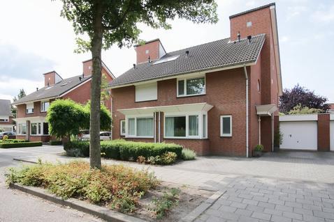 Zwanenbloemstraat 5 in Weert 6002 CX