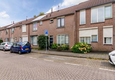 Denemarkenstraat 12 in Bergen Op Zoom 4614 JV