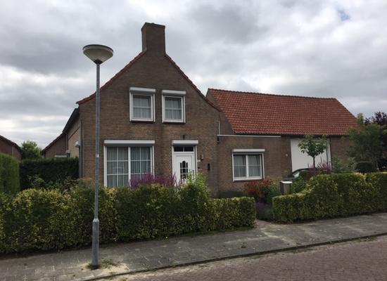 Bisschop Hopmansstraat 28 in Noordhoek 4759 BE