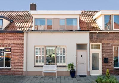 Leeuwstraat 12 in Halsteren 4661 KR