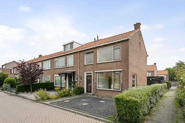 Willems Fopsstraat 31 in Hellevoetsluis 3222 CT