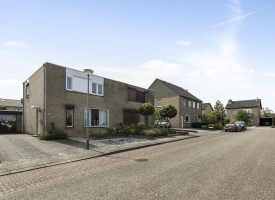 Ridder Hoenstraat 43 in Brunssum 6444 HE