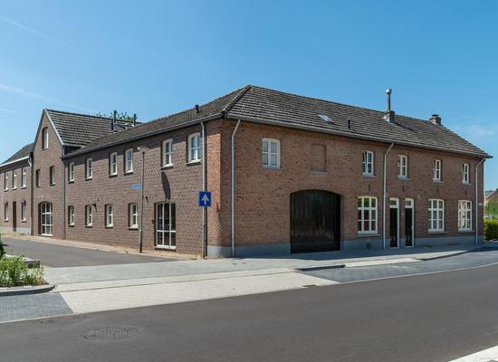 Steenweg 35 -37 in Merkelbeek 6447 BN