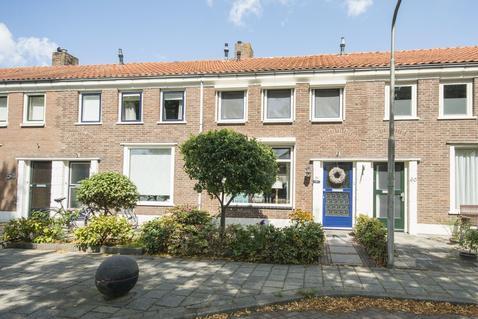 Cornelis Smitstraat 58 in Alblasserdam 2951 AC