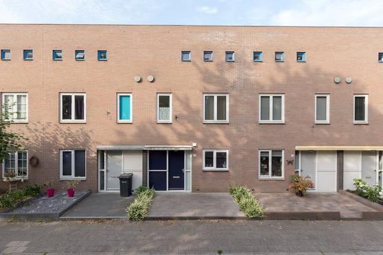 Albert Schweitzersingel 313 in Amersfoort 3822 BV