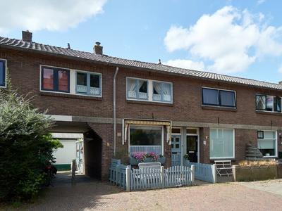 Rozenstraat 33 in Alphen Aan Den Rijn 2406 BJ