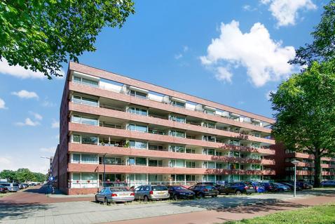 Johan Hofmanstraat 339 in Amsterdam 1069 KD