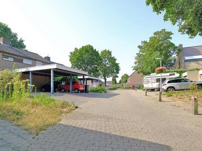 Neerbraakstraat 8 in Hoensbroek 6432 BV