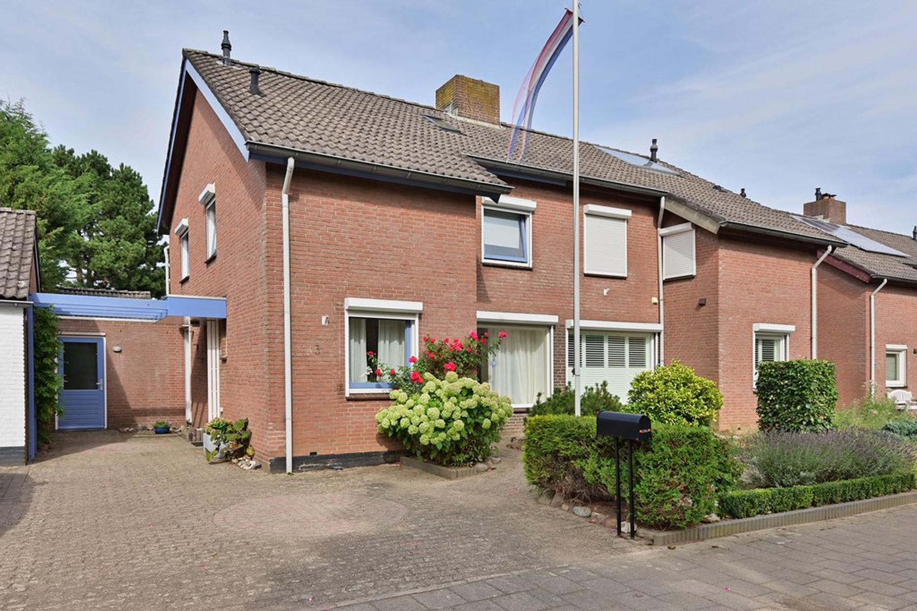 Grootveldstraat 3 in Limbricht 6141 LV