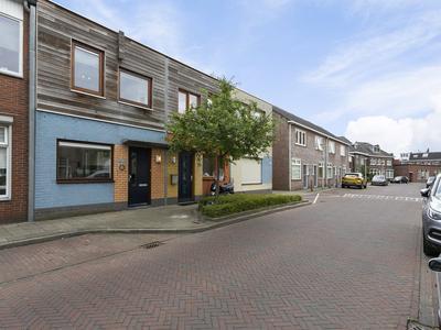 Schurinksdwarsweg 38 in Enschede 7523 AV