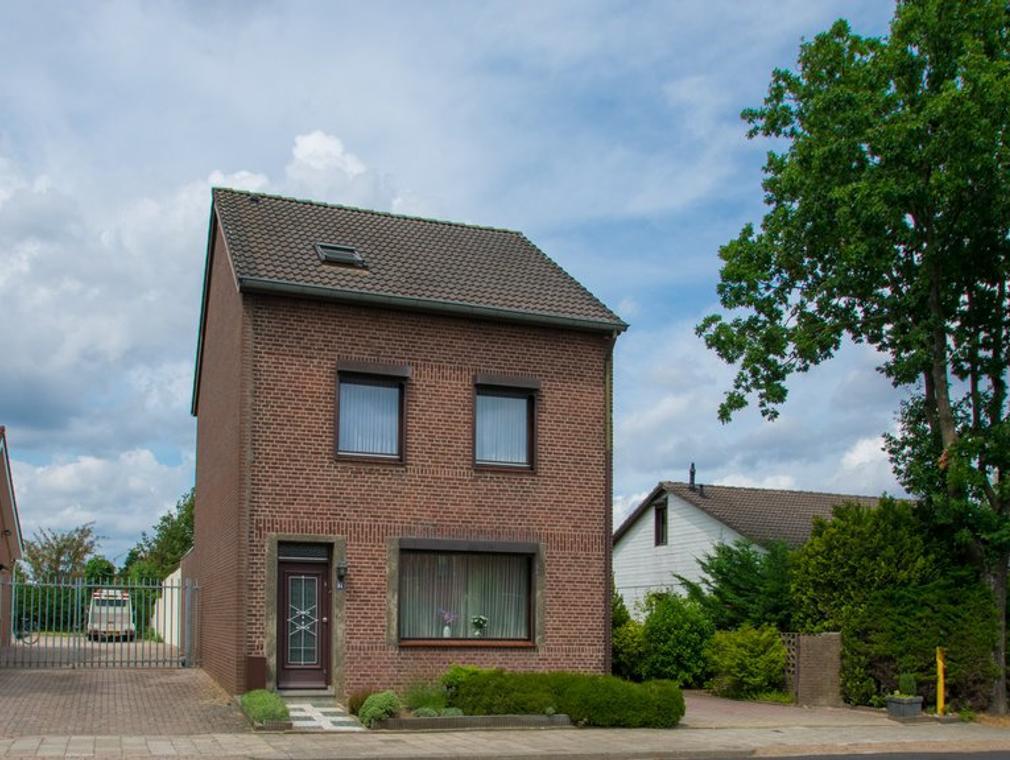 Reeweg 94 in Landgraaf 6374 BZ