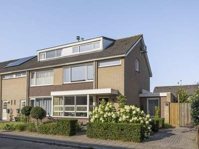 Neptunusstraat 11 in Son En Breugel 5694 TK