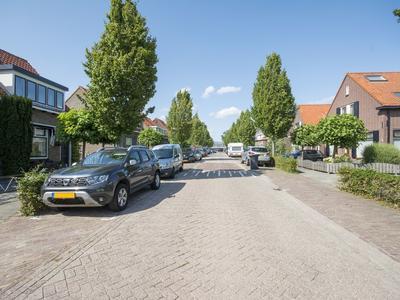 Sluisweg 40 in Hardinxveld-Giessendam 3371 EV