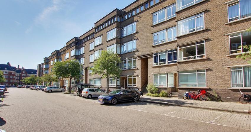 Courbetstraat 18 1 in Amsterdam 1077 ZT