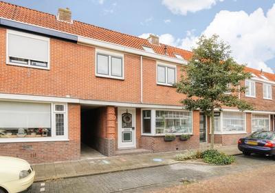 Ladderbeekstraat 73 in Velsen-Noord 1951 BK