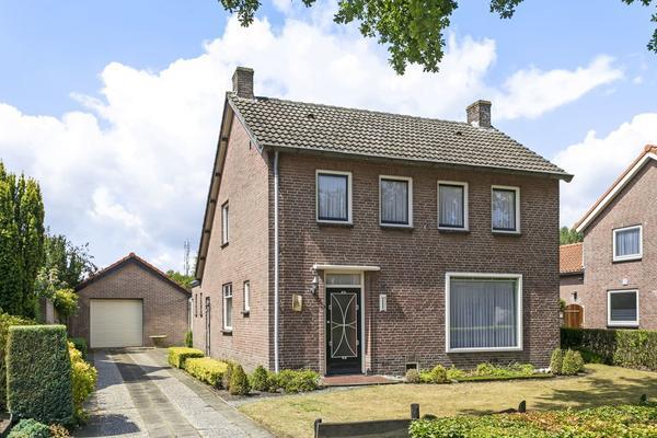 Hoofdstraat 15 in Hoogeloon 5528 AG