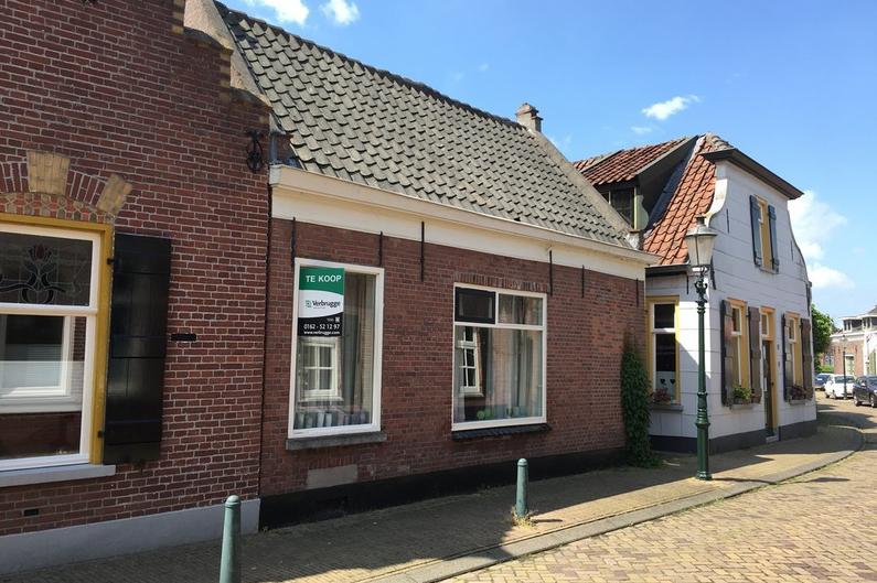 Grote Kerkstraat 79 in Raamsdonksveer 4941 DN