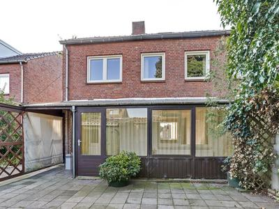 Esdoornstraat 34 in Zundert 4881 AM