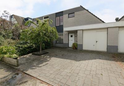Bakema-Erf 62 in Dordrecht 3315 JB