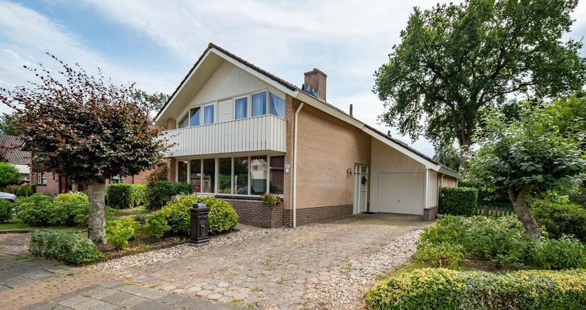 Braakmansdijk 143 in Rijssen 7462 MJ