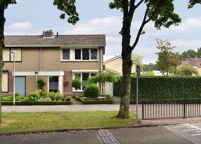 Rode Schouw 68 in Halsteren 4661 VB