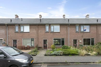 Prins Willem Alexanderstraat 13 in Willemstad 4797 HG