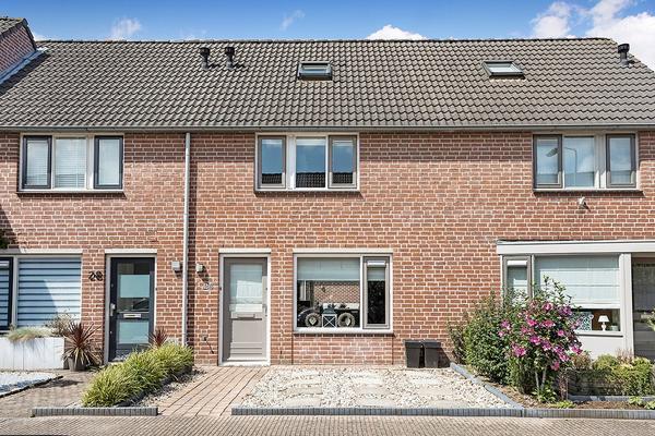Meidoorn 26 in Prinsenbeek 4841 LT