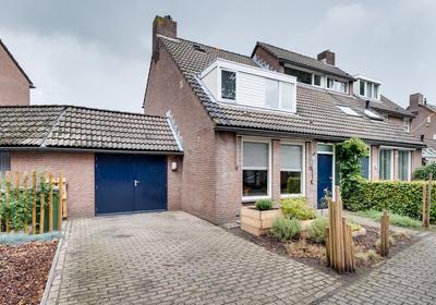 Nieuwenakker 10 in Kaatsheuvel 5171 WD