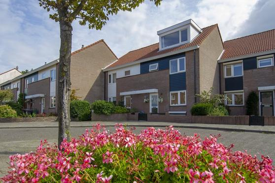 Van Lennepweg 34 in Zandvoort 2041 LK