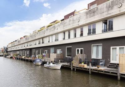 Te koop ruime woning aan het water in de Eilandenbuurt, Antillenweg 15 Almere