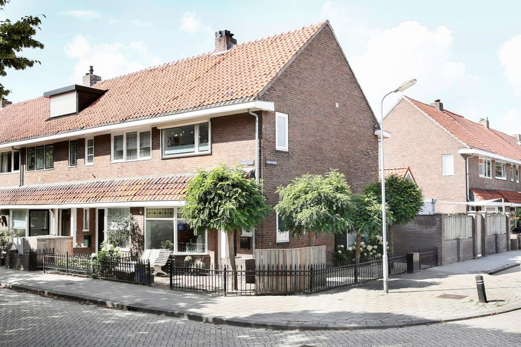 Timorstraat 12 in 'S-Hertogenbosch 5215 AT