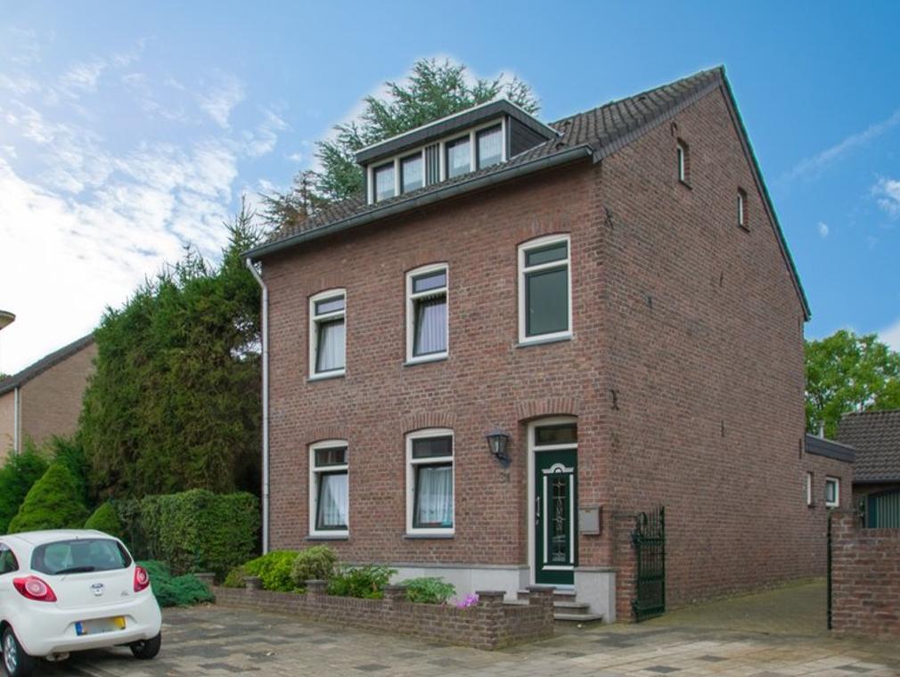 Achter De Hoven 31 in Landgraaf 6373 JG