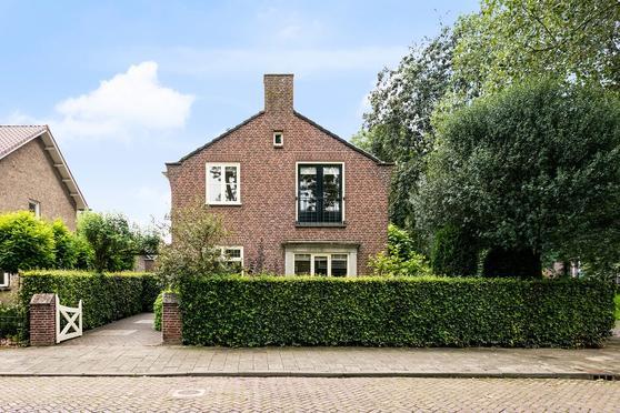 Prins Bernhardstraat 4 in Zevenbergen 4761 AJ
