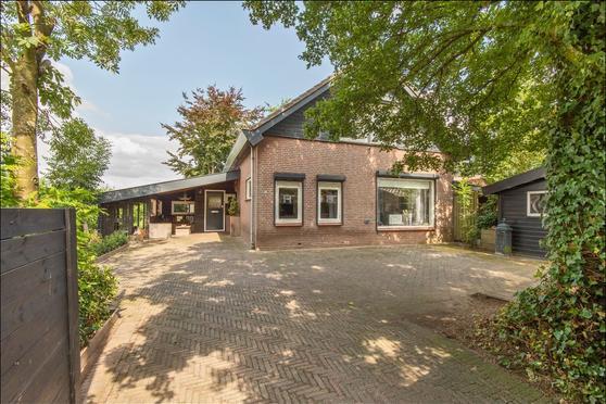 Hoogstraat 28 in Leerbroek 4245 KD