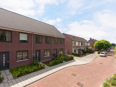 Pastoor Van Der Meijdenstraat 61 in Oisterwijk 5061 CK