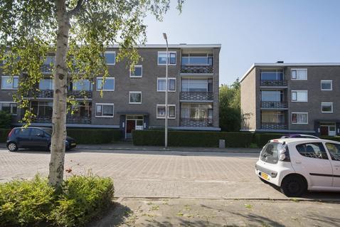 Jhr. De Savornin Lohmanstraat 23 in Ridderkerk 2982 RA