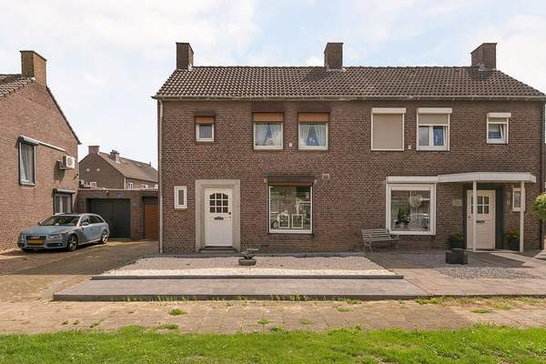 Irisstraat 10 in Geleen 6163 GJ