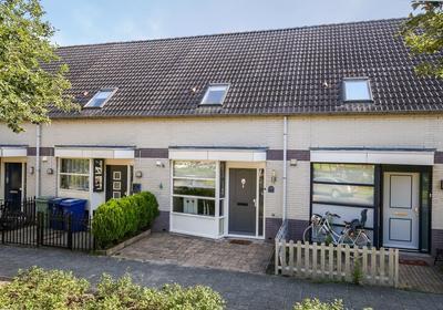 Kapitein De Langestraat 144 in Almere 1318 DR