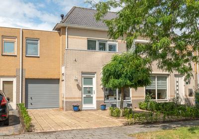 Perzikstraat 63 in Almere 1326 HP