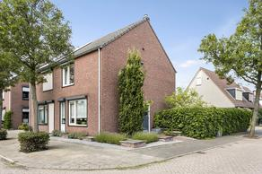 Dovenetelstraat 32 in Reuver 5953 MP
