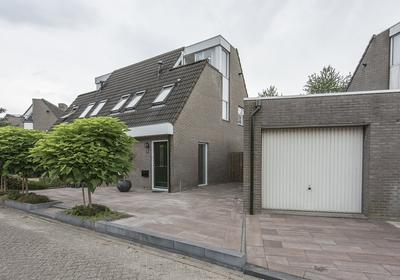 Rietmeent 263 in Almere 1357 DE