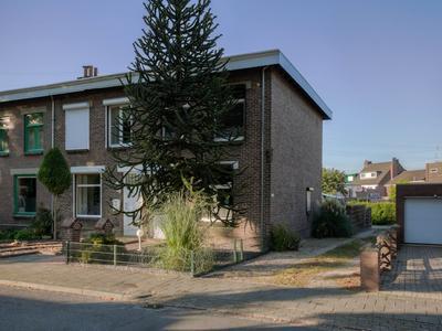 Saffierstraat 10 in Heerlen 6412 SM