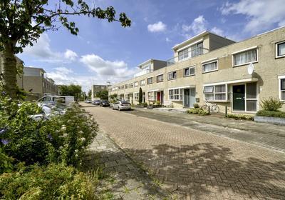 Jacoba Van Beierenstraat 8 in Alphen Aan Den Rijn 2405 ZN