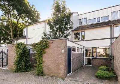 Vijfde Haren 8 in 'S-Hertogenbosch 5233 BL