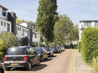 Menadostraat 39 in Vlaardingen 3131 JK