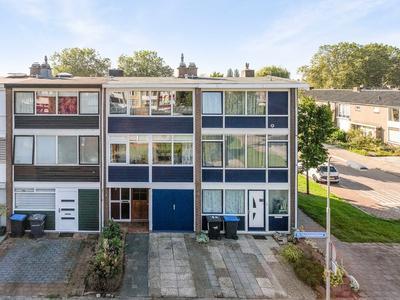 De Houtmanstraat 139 in Arnhem 6826 PH